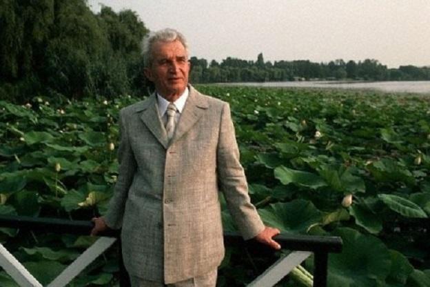 Nicolae Ceaușescu a făcut o ședință foto cu fotoreporterul Peter Turnle pe malul lacului Snagov pe 10 august 1989, când a dat ultimul său interviu