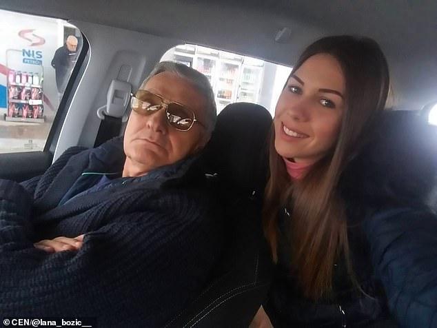 Cea mai dulce bătrânețe. Un bărbat de 74 de ani are o relație de iubire cu un fotomodel. Galerie FOTO
