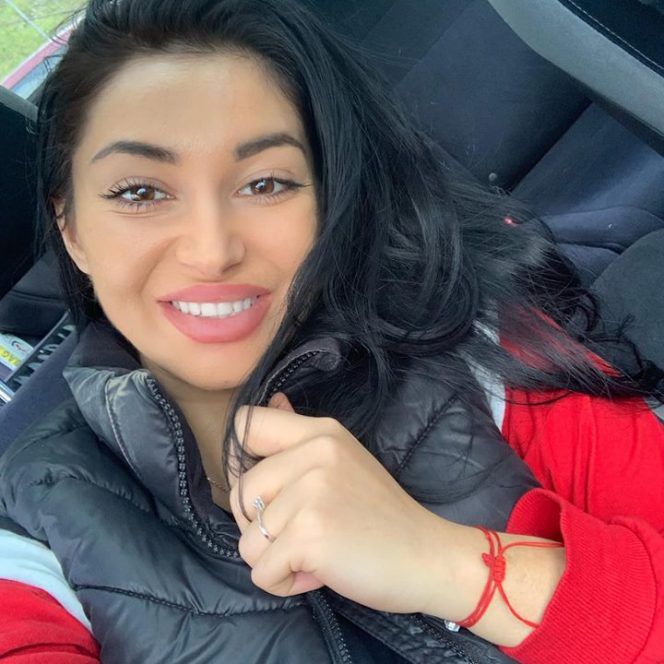 Elena Ionescu a scăpat de problemele cu tenul