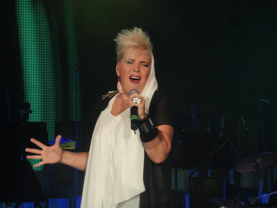 Silvia Dumitrescu a făcut accident în drum spre concert! În ce stare se află cântăreața