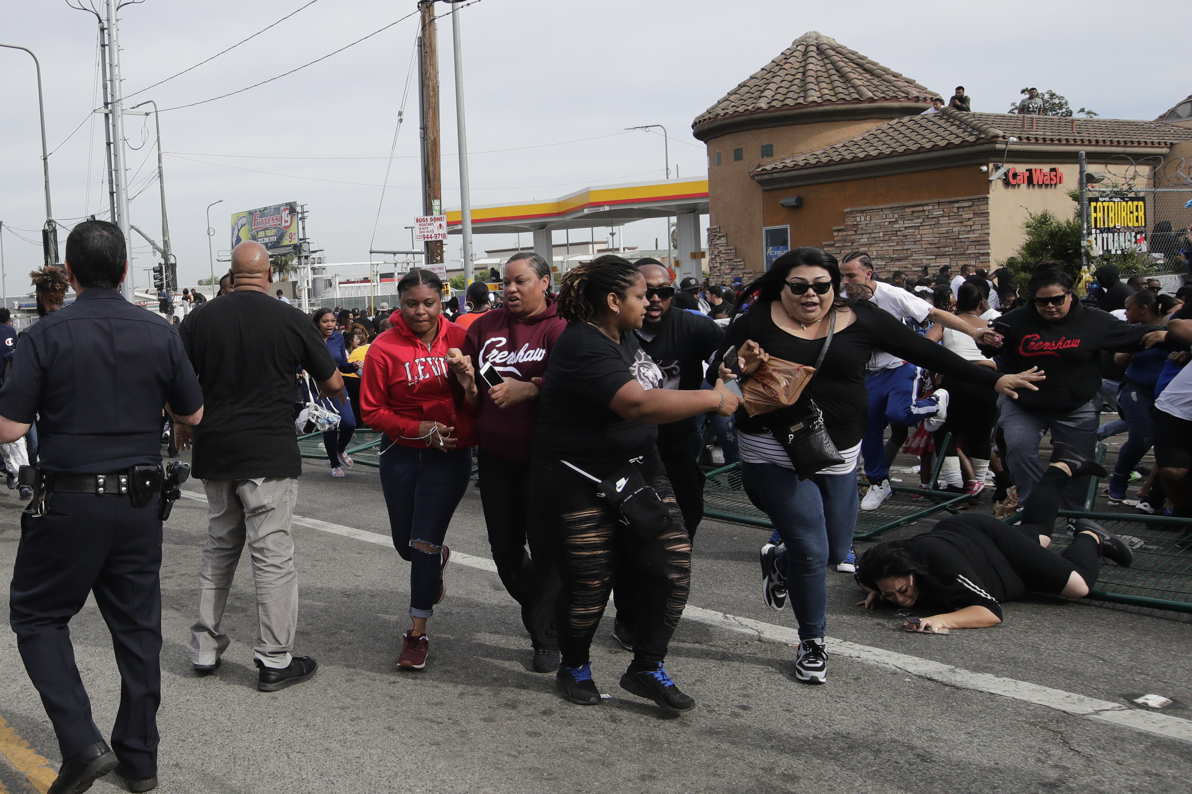 Victimele sunt 3 bărbați și o femeie de culoare, cu vârste cuprinse între 30-50 de ani.