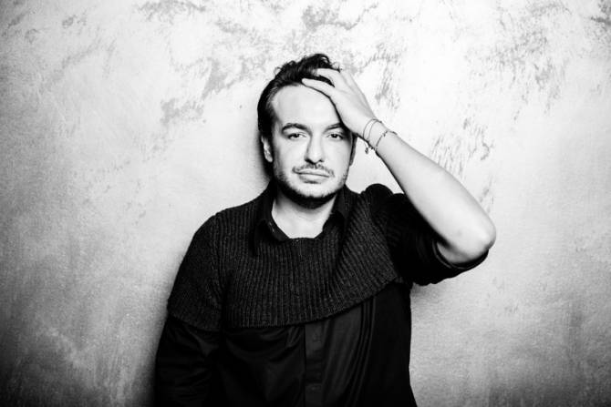Creatorul de modă Răzvan Ciobanu a încetat din viață în urma unui grav accident rutier. Sursa foto:DCnews
