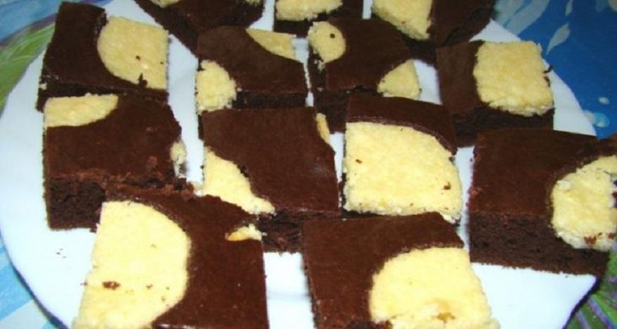 """""""Prăjitura văcuței"""", un deliciu ușor de gătit. Cu bicarbonat de sodiu și coajă de lămâie. Sursa foto: 1000reteteculinare.com"""