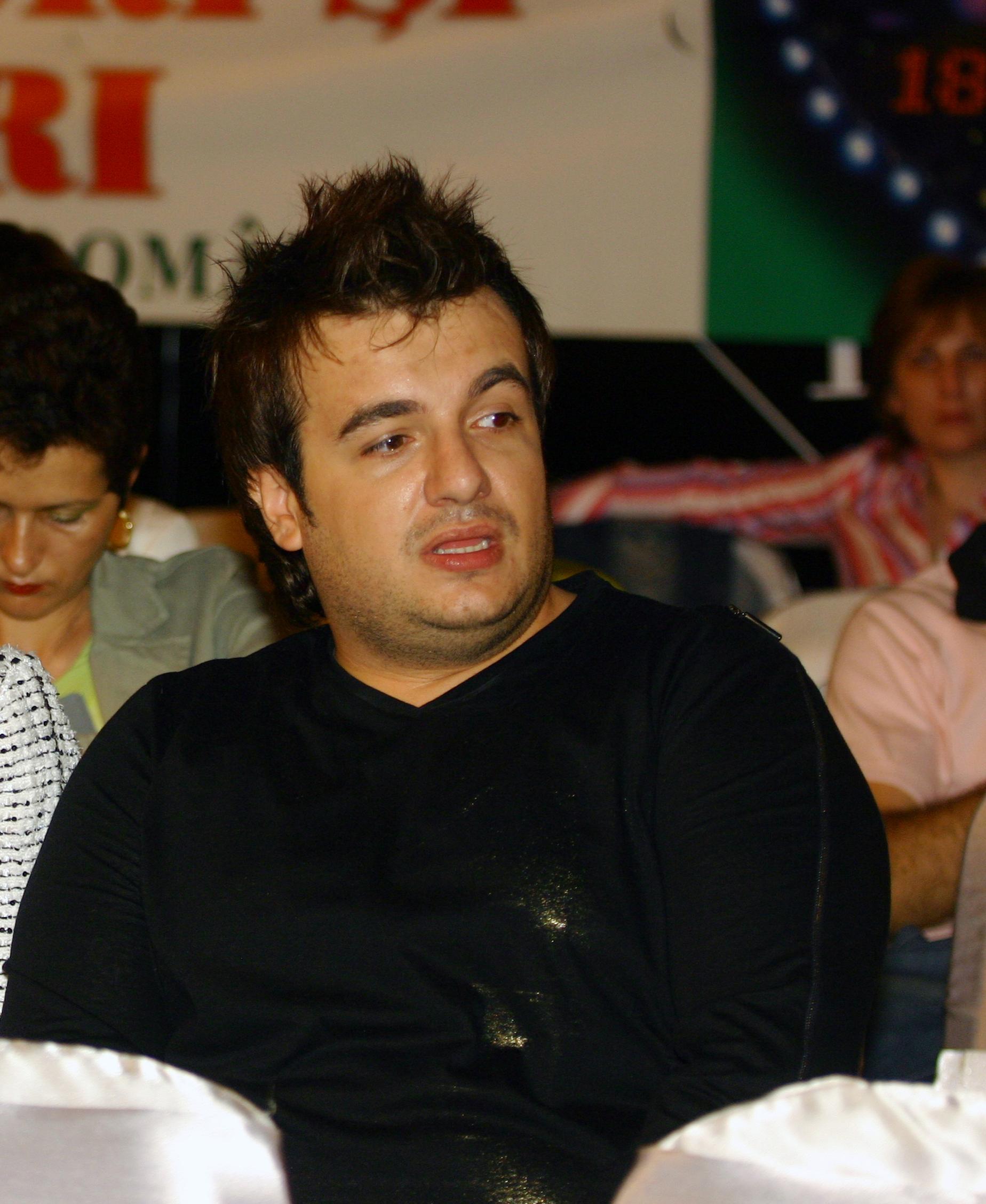 Răzvan Ciobanu, pe vremea când era un tânăr designer, în curs de afirmare. Sursa foto:hepta.ro