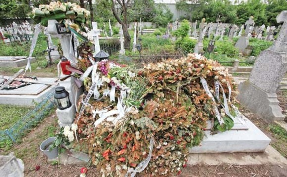 Mormânt Răzvan Ciobanu