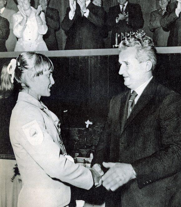 Nadia Comaneci il intalnea pe Nicolae Ceausescu