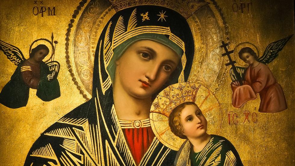 Fecioara Marie, îinându-l în brațe pe pruncul Iisus Hristos. Sursa foto:avantaje.ro