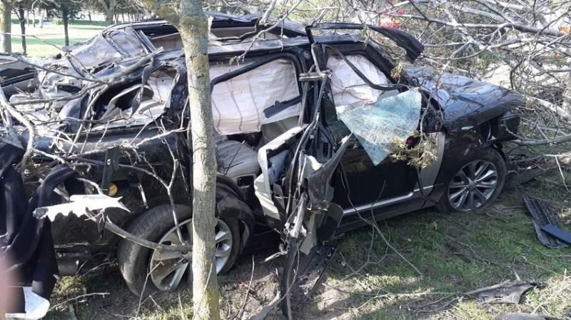Automobilul condus de Răzvan Ciobanu a fost grav avariat în urma accidentului care i-a adus sfârșitul fostului designer. Sursa foto:ciao.ro
