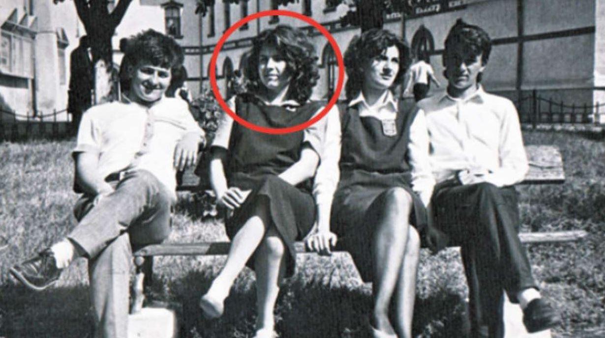 Cum arăta Elena Udrea în tinerețe. Imaginile neștiute cu ea brunetă. FOTO