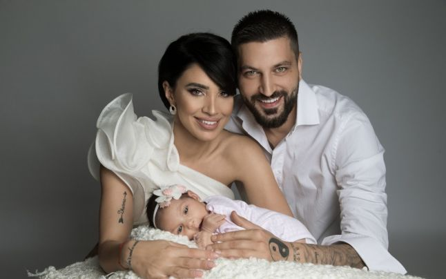 Adelina Pestrițu, alături de soțul și fiica sa. Sursa foto:Adevărul.ro