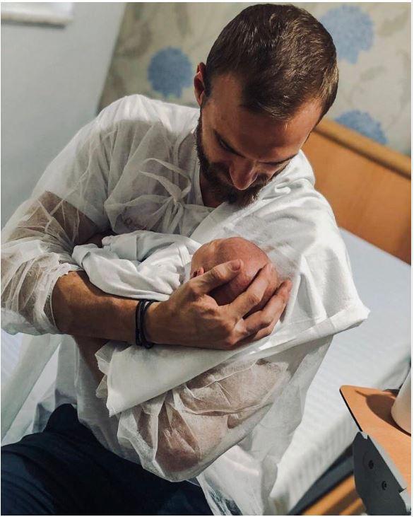 Bebelușul Flaviei Mihășan, alături de iubitul vedeei. Sursa foto:Instagram