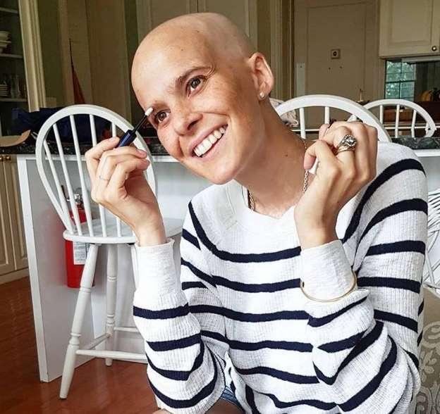 Prezentatoarea TV Javiera Suarez a murit, după ce a pierdut cu cancerul de piele. Sursa foto: Ciao.ro