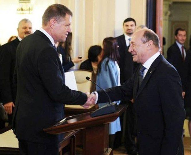 Klaus Iohannis și Traian Băsescu, fostul și actualul președinte al României. Sursa foto: sputnik.md