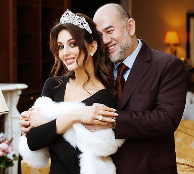 Fosta regină a frumuseții și fostul rege au un băiețel de 2 luni