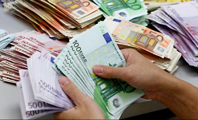 LOVITURA la casele de schimb valutar! La cat a ajuns astazi un EURO! Ce se intampla cu restul valutelor