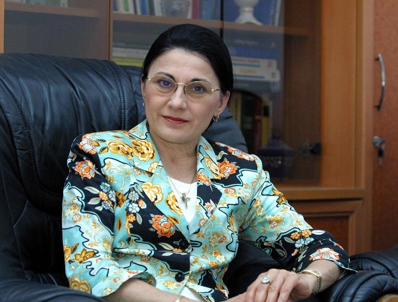 ecaterina andronescu, ministrul educației