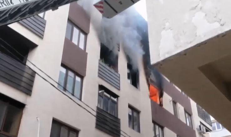 incendiu bucuresti bloc sector 3