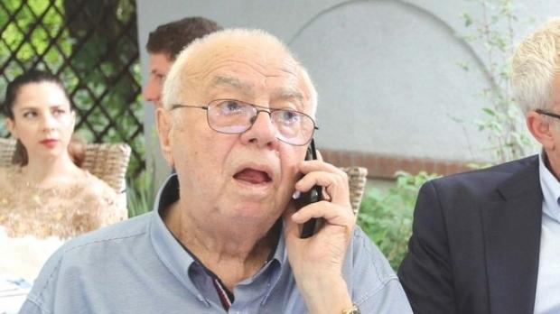Alexandru Arșinel se află, din fericire, în stare bună, după ce a fost internat la Spitalul Obregia. Sursa foto: Romaniatv,net