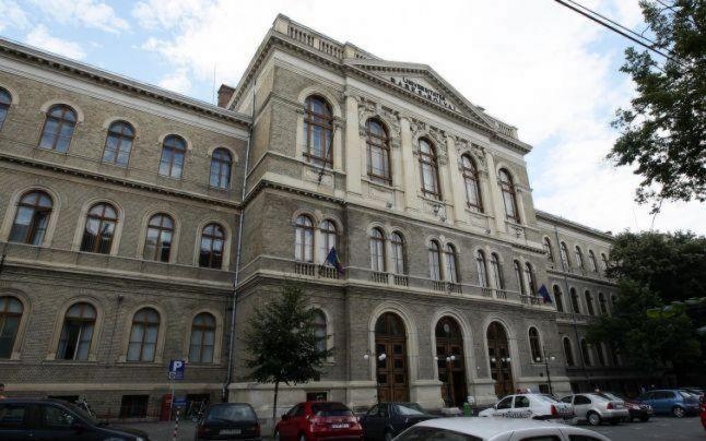 Universitate București continuă să domine topul preferințelor viitorilor studenți. Sursa foto: adevarul.ro
