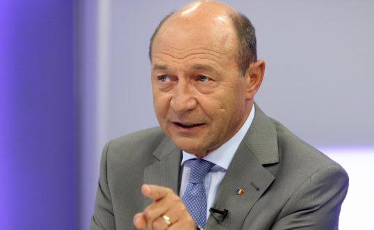 Traian Băsescu acuză un posibil blat între Klaus Iohannis și Viorica Dăncilă! Traian Băsescu