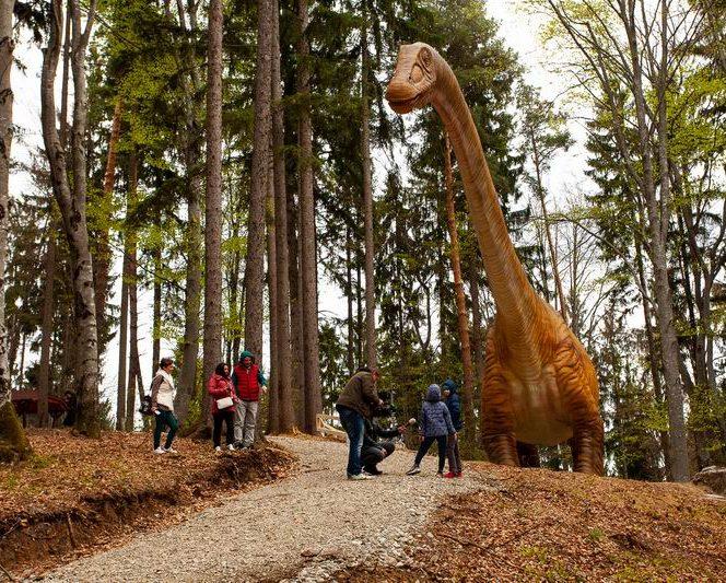 Cel mai amre dinozaur descoperit vreodată se află în Dino Parc din Râșnov, Sursa foto: minicalatori.ro