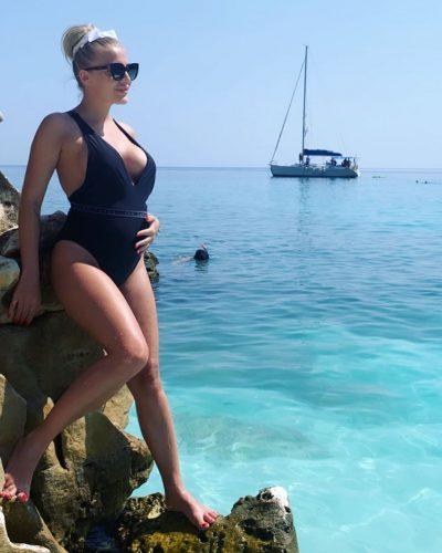 Adela Tecuceanu a anunțat că este însărcinată în patru luni și jumătate