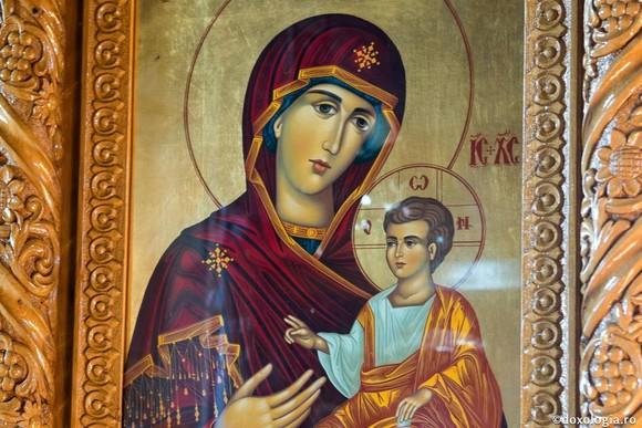 Fecioara Maria este cinstită astăzi pe 15 august