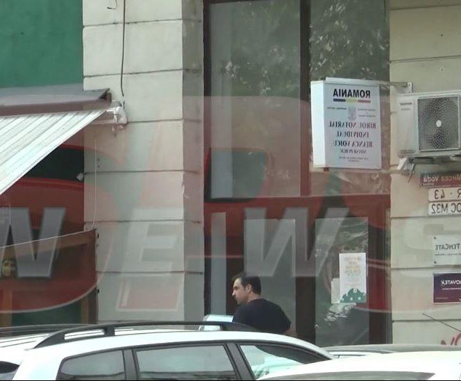 Alexandru Papadopol a mers personal la locuința Ioanei Ginghină pentru a semna actele de divorț. Sursa foto: spynews.ro