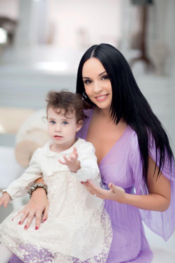 Andreea Marin și Violeta