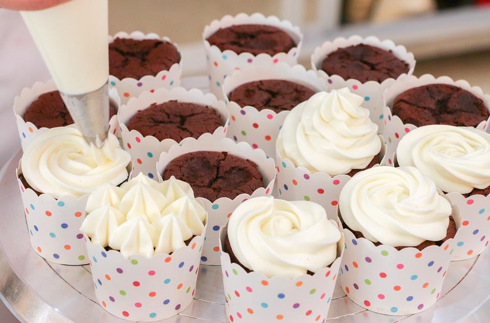 Rețeta zilei. Cupcakes cu ciocolată și cremă de unt.
