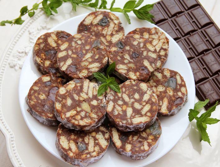 Ingrediente și mod de preparare salam de biscuiți