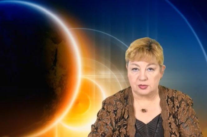 Urania, cel mai cunoscut astrolog din țară. Sursa foto: libertatea.ro