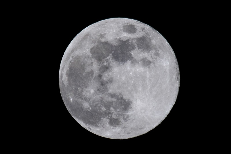lună plină 15 august 2019