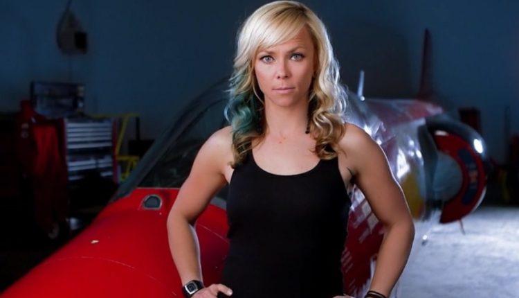 Prezentatoarea Jessi Combs a murit în urma unui accident auto
