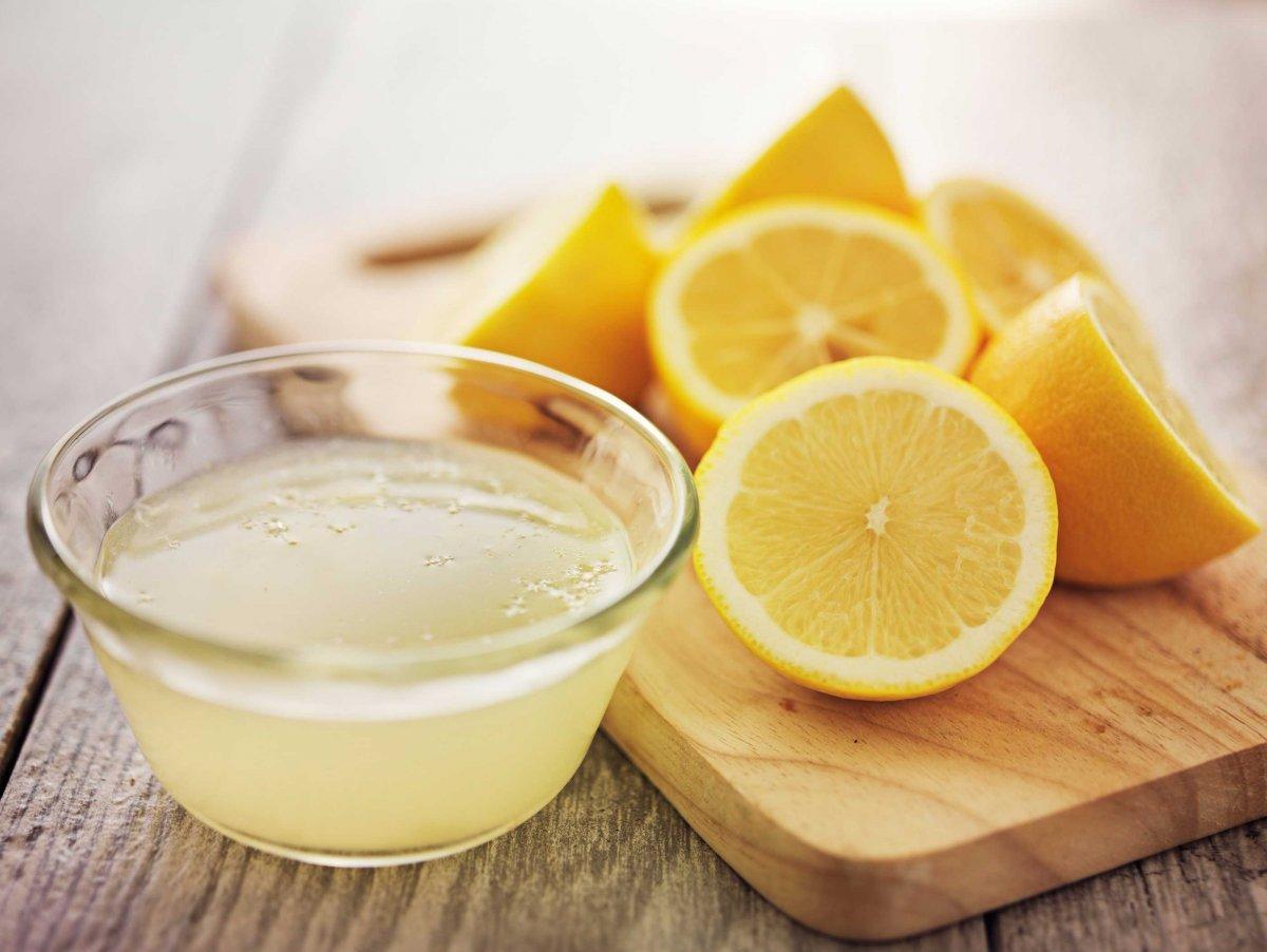Suc de lămâie cu bicarbonat de sodiu