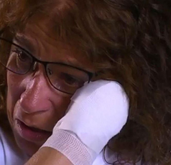 Această femeie a rămas fără mâini și picioare după ce a fost linsă de câine