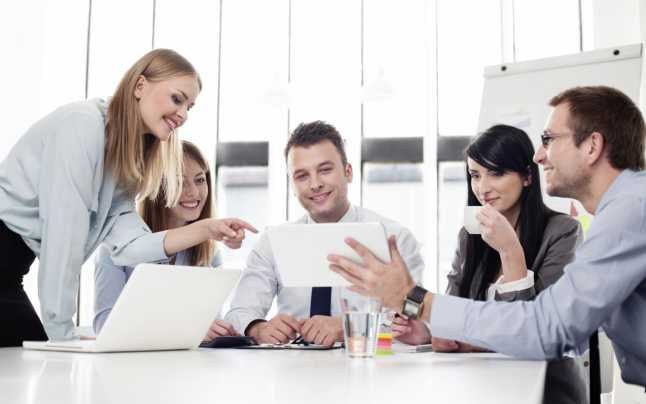 Fecioarele se remarcă la locul de muncă. Sursa foto: adevarul.ro