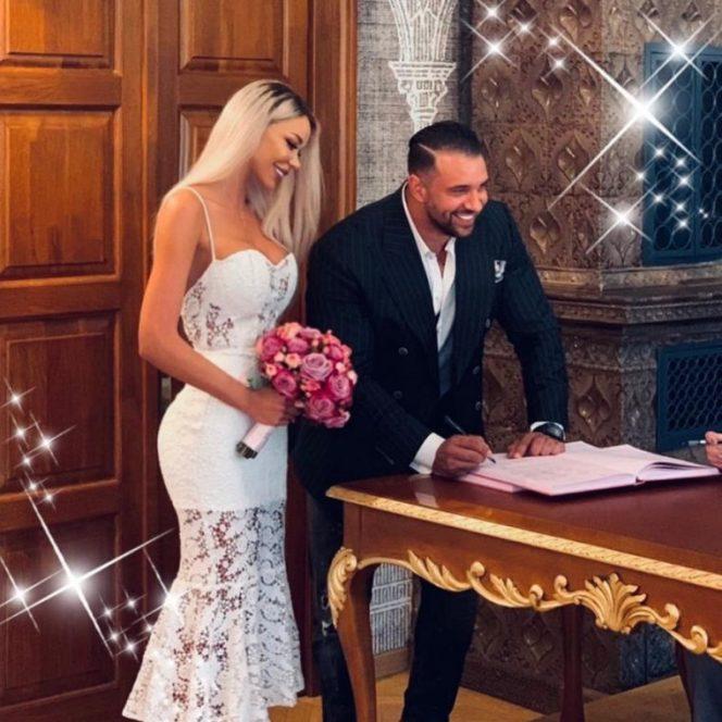 Bianca Drăgușanu și Alx Bodi s-au cununat religios, air acum se pregătesc de nuntă. Sursa foto: wowbiz.ro