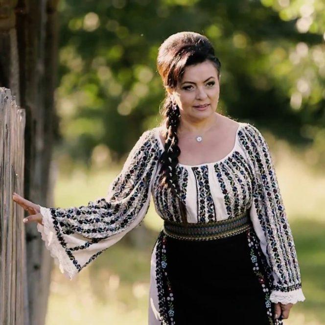 Cântăreața Maria Ghinea a fost împușcată în cap de soțul său