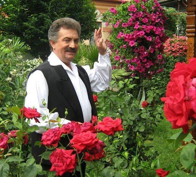 Petrică Mâțu Stoian, unul dintre cei mai cunoscuți interpreți de muzică populară. Sursa foto: stirilekanald.ro