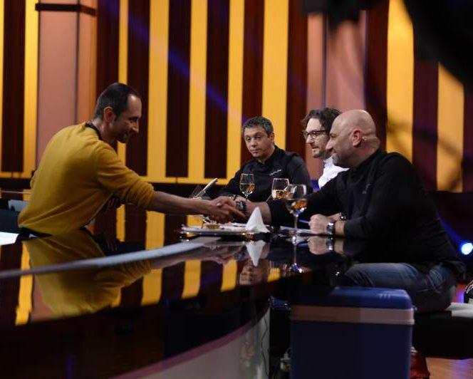 """Cel mai tânăr primar din România este concurent """"Chefi la cuțite"""""""