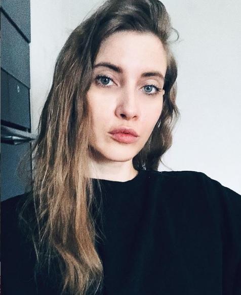 Cum arată Iulia Albu fără machiaj