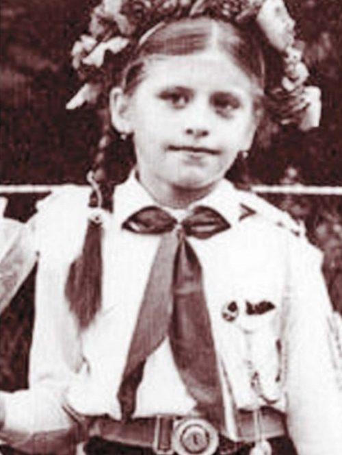 Loredana Groza în prima zi de școală. Sursa foto: click.ro