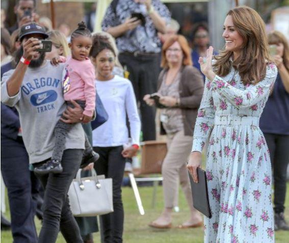Prințesa Charlotte le-a spus colegilor de la școală că va fi soră mai mare