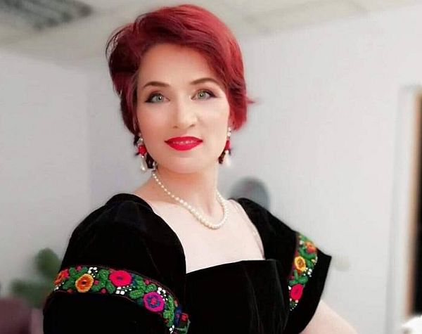 Nicoleta Voicu, interpretă de muzică populară. Sursa foto: ziardetop.ro