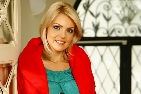 Oana Andoni înlocuită la pupitrul știrilor Pro TV de Amalia Enache