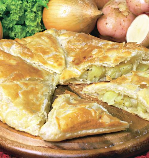 Plăcintă indiană cu cartofi. Sursa foto: retete.unica.ro