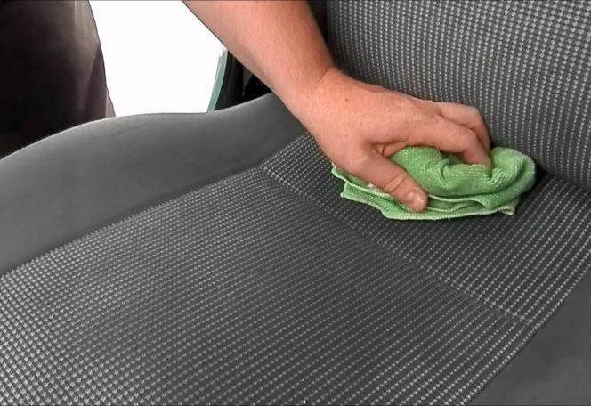 5 motive pentru care trebuie să ai bicarbonat de sodiu în mașină