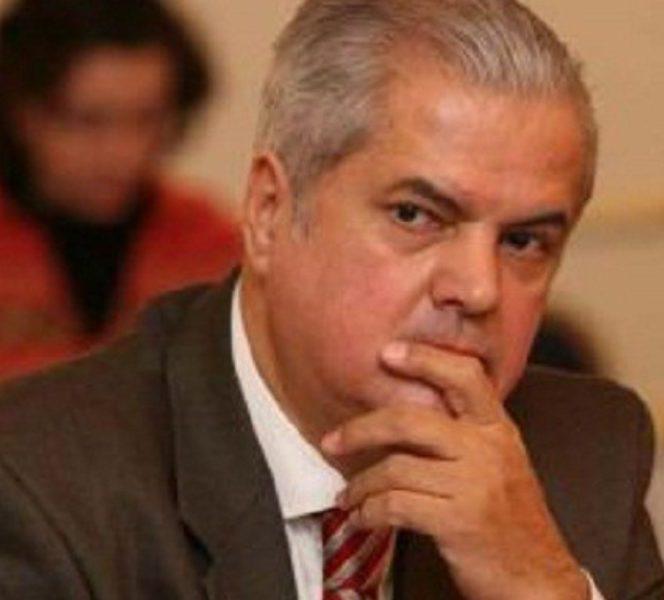 Adrian Năstase acuză retailerul eMag de implicare în campania electorală! Adrian Năstase