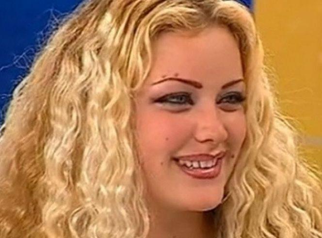 Așa arăta Bianca Drăgușanu înaintea operațiilor estetice. Sursa foto: viva.ro
